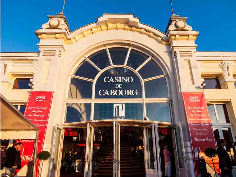 Casino cabourg poker trailer casino royale hd