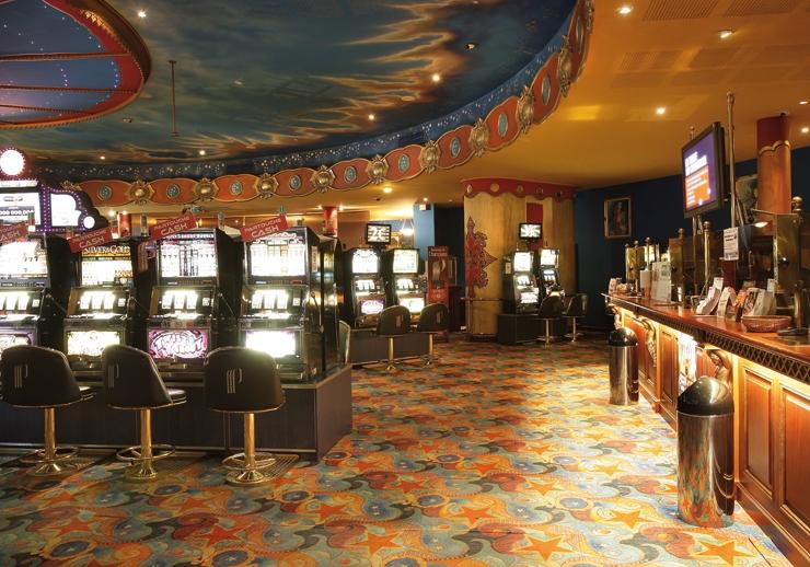 La roche posay hotel casino red deer casino