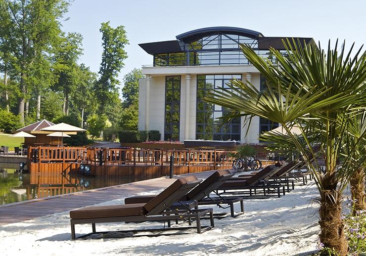 Casino partouche forges les eaux hotels infos et offres for Piscine forges les eaux