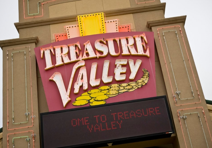 Davis Treasure Valley Casino & Hotel