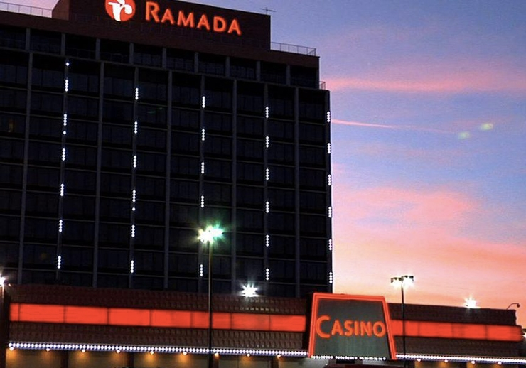 Reno Diamonds Casino & Ramada Hotel