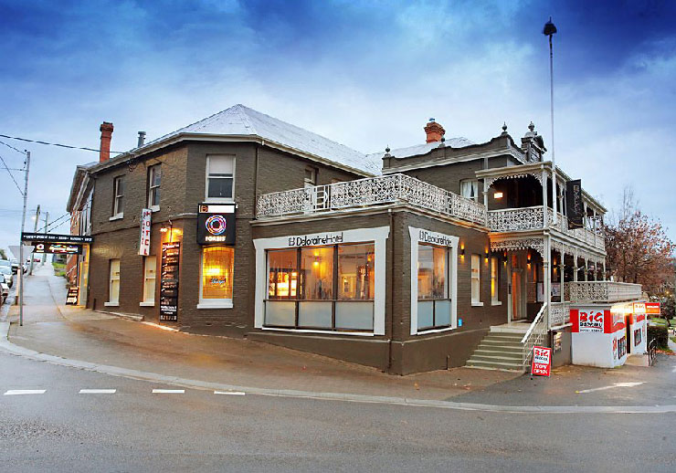 Deloraine Hotel & Casino