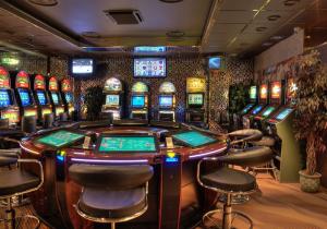 St petersburg casino stepper slot machines