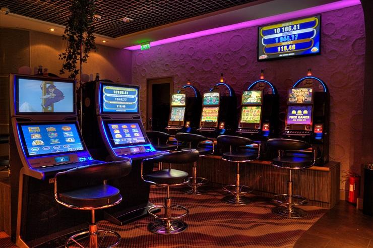 Slot machine jpg