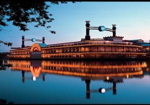 Wisconsin riverboat casino harrah s casino news