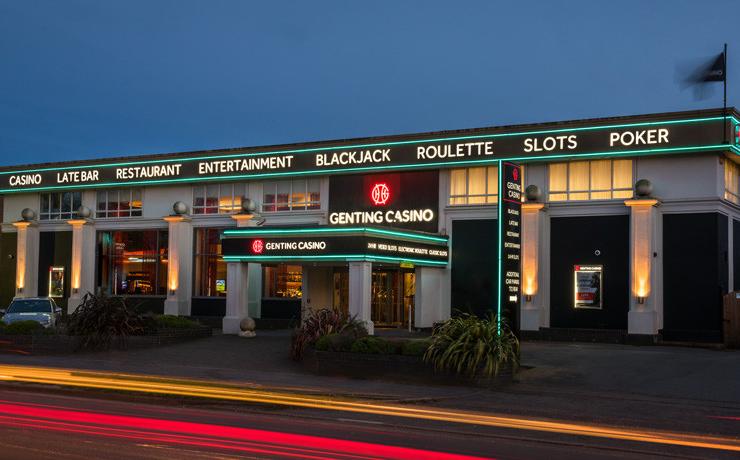 Maxims casino reading 007 royal casino megavideo