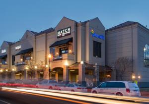 Kelowna Casino Hotel